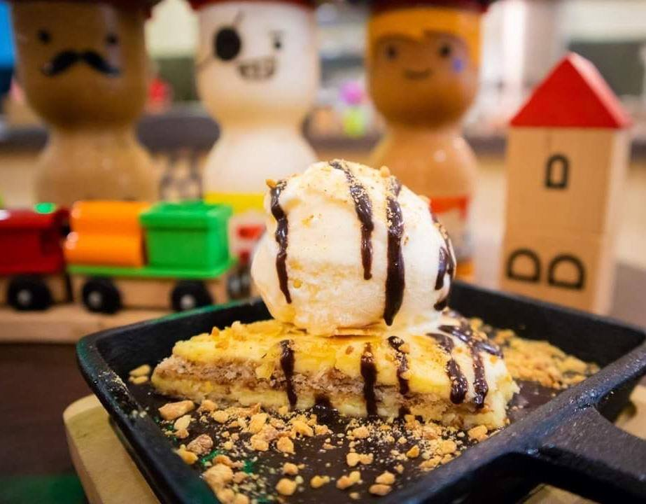 16 must try places you can expect in r & f mall jb